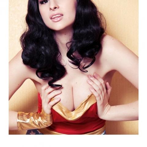 Shemale as Wonder Woman